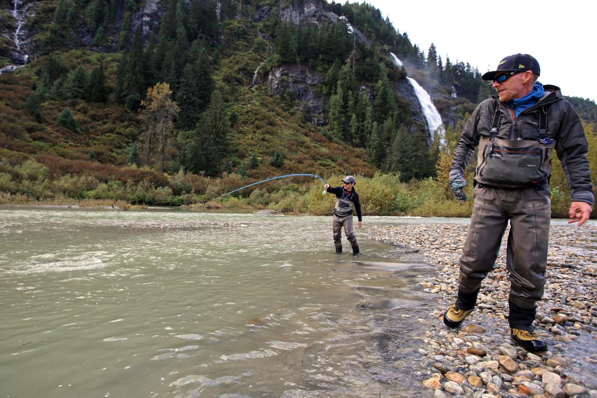 Reinigung von Wathosen zum Fliegenfischen