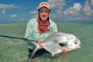 Traumhafte Fischerei auf Bonefish, Permit, Tarpon und Snook. Die besten Chancen auf einen Grand Slam für Fliegenfischer.