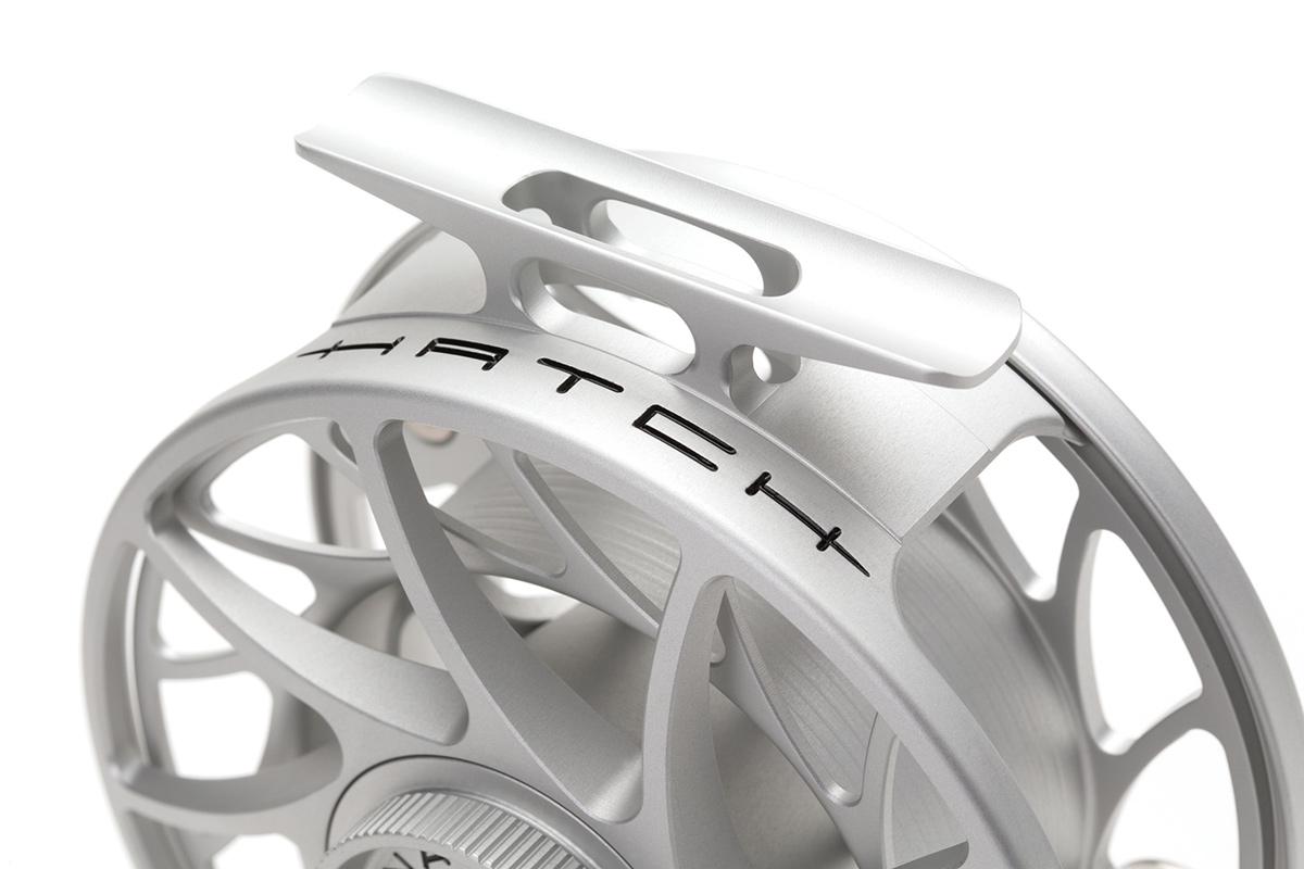 Hatch Finatic Gen 2 Fliegenrolle, Rollenfuß ist ein Teil des Rahmen
